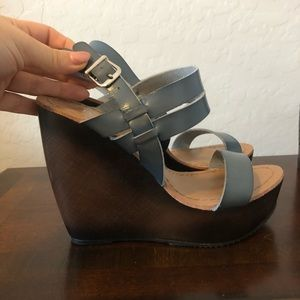 Navy wedge